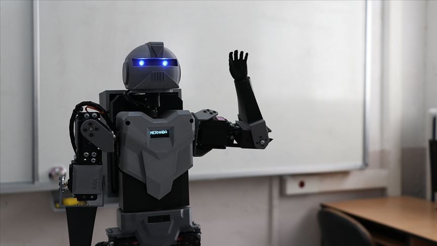 Denizlili İki Lise Öğrencisi İnsansı Robot Yaptı