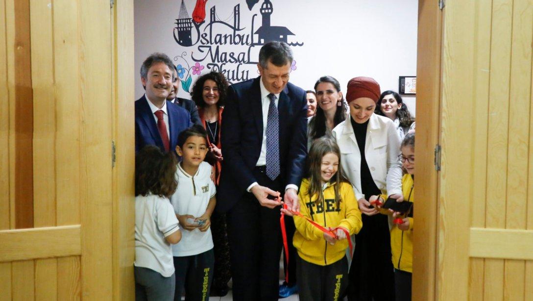 İstanbul Masal Okulu Açıldı